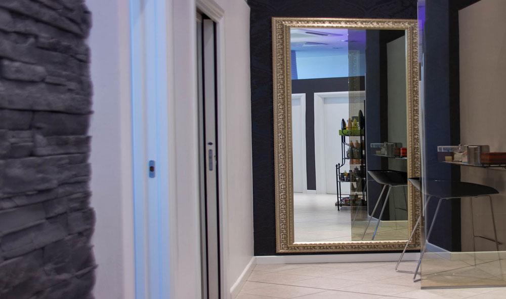 Corridoio-specchio-strucco
